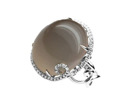 Каблучка з дим. кварцем та діамантами в білому золоті